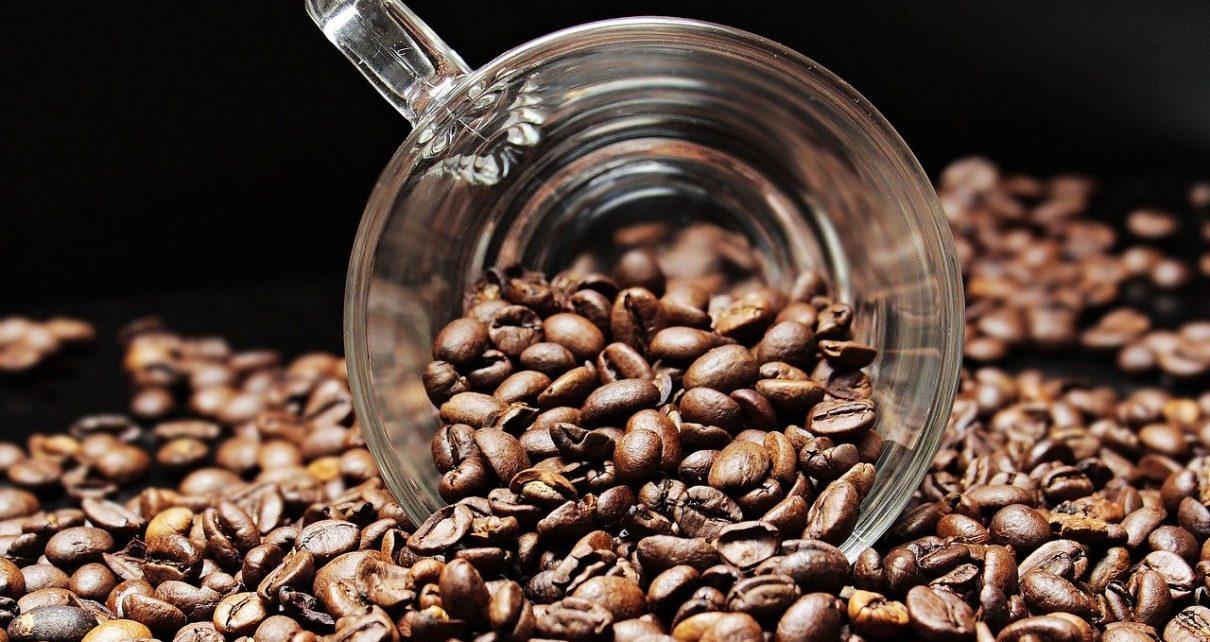 Kawa świeżo palowa - dlaczego to dobry wybór?